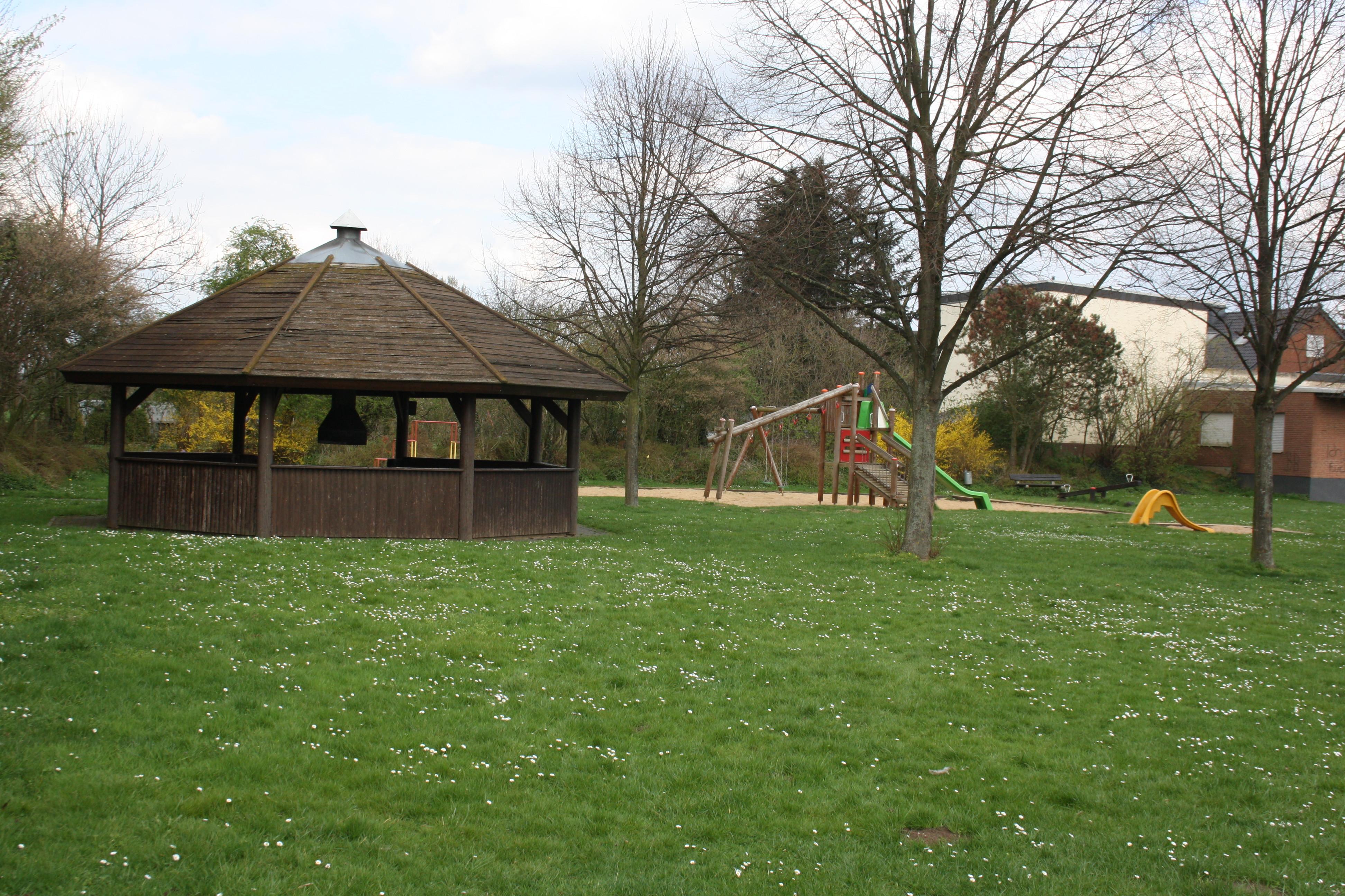 Klettergerüst Metall Spielplatz : Spielplatz ollheim u ludendorfer straße ecke peterstraße