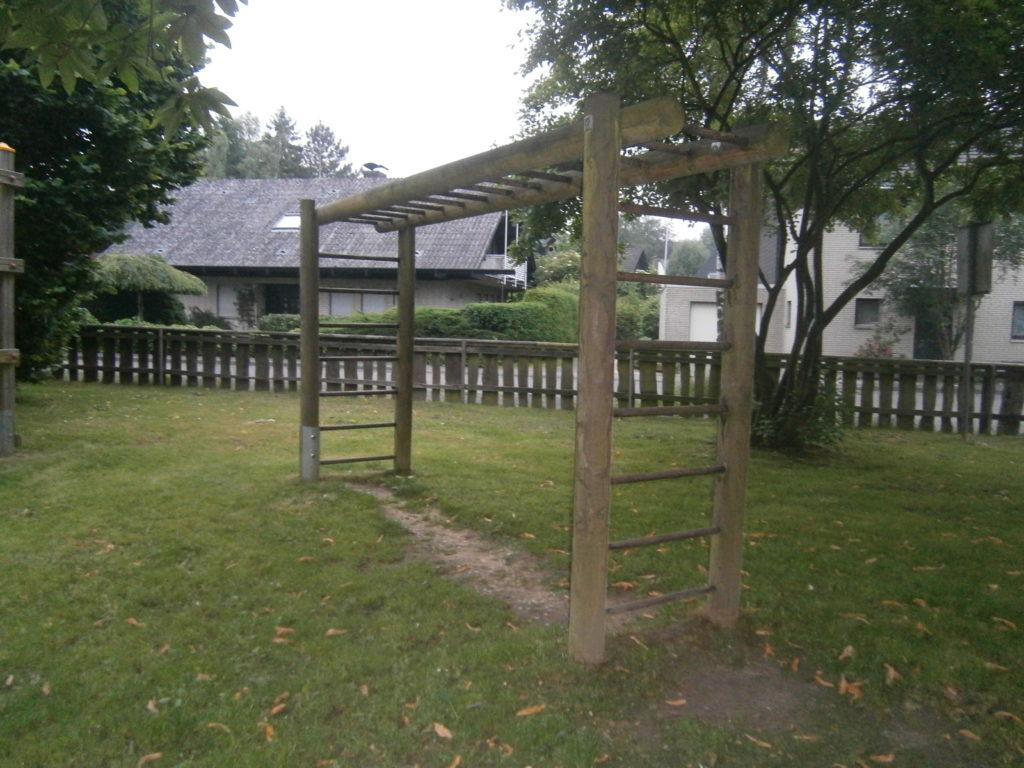 Spielplatz Heimerheim Quellenstrasse